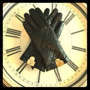 NEW Michael Kors black leather quilted gloves